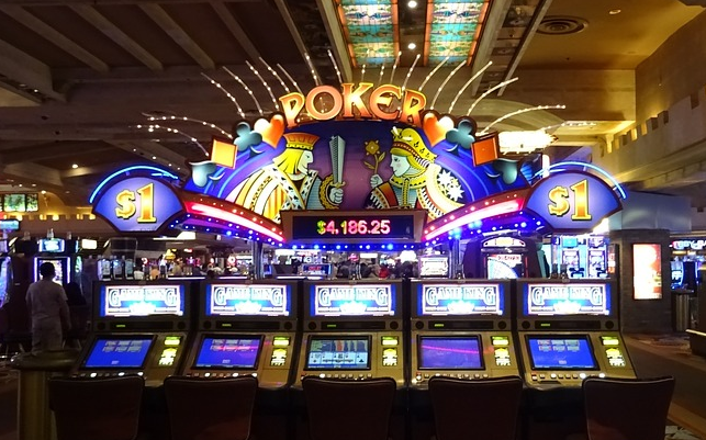 Poker and Slot Hall